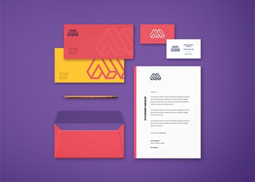 Free Business Card Psd Mockups Graphberry Com